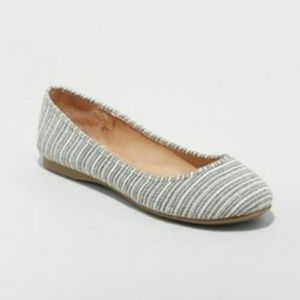 Ladies ballerina shoes size 6